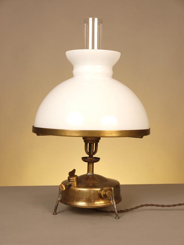 Lampada Da Scrivania In Ottone.Lampada Da Tavolo In Ottone 1471 Muselli Officineluce
